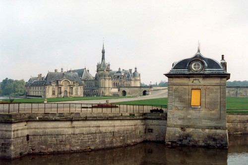 Chantilly_Castle_01.jpg