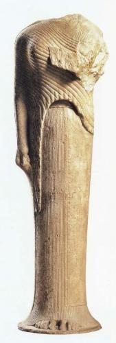 Sanctuaire-de-Samos-Kore-dédiée-par-Cheramyes-192m (1).jpg